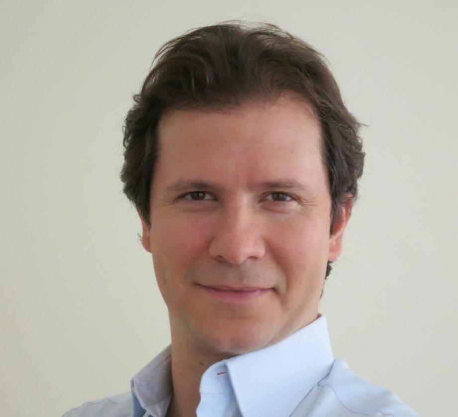 Guillaume Debré, fils de Jean-louis Debré et petit-fils de Michel Debré, a vécu et travaillé seize ans aux Etats-Unis.