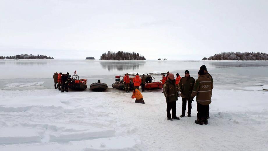 Les recherches au bord du lac Saint-Jean.
