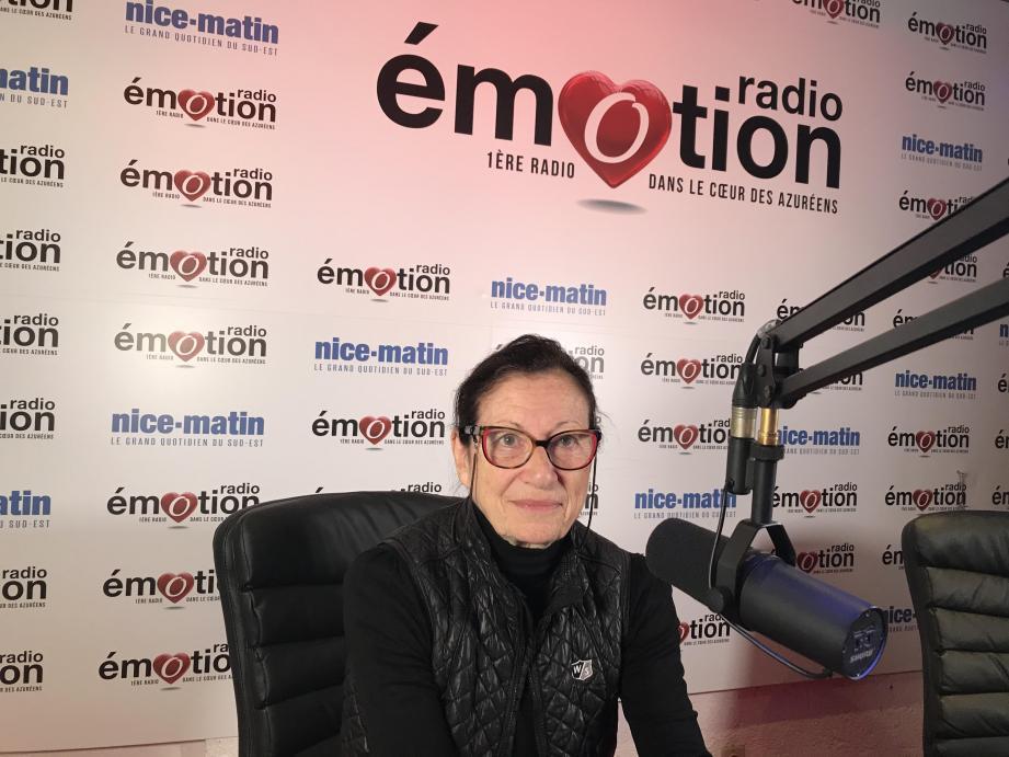 Mireille Damiano, tête de liste Viva! à Nice, était au micro de Radio Emotion, ce samedi.