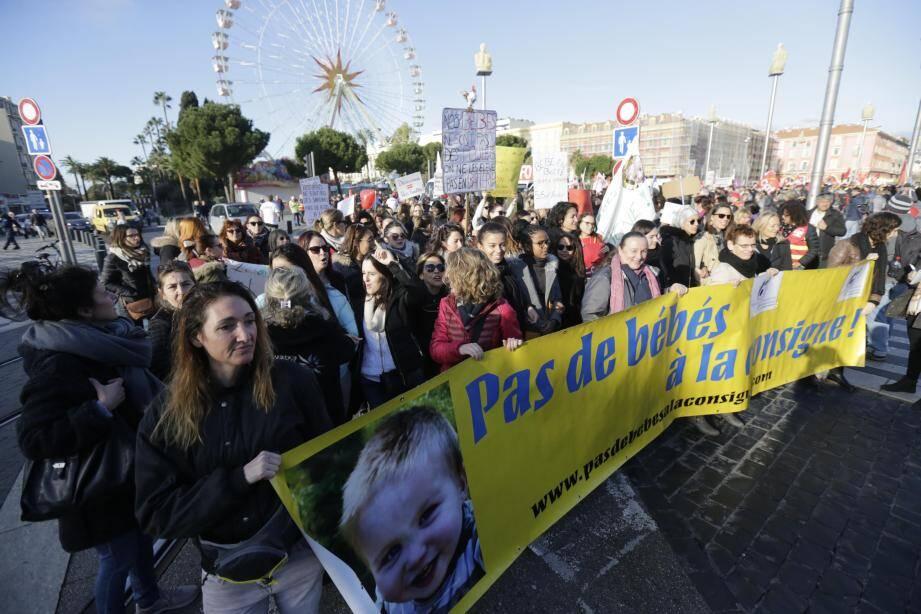 La manifestation s'est élancée de la place Masséna ce mardi matin.