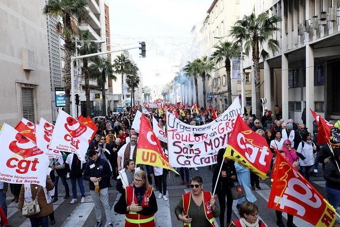 Le cortège a notamment arpenté, ce mardi 14 janvier, le boulevard Roosevelt à Toulon.