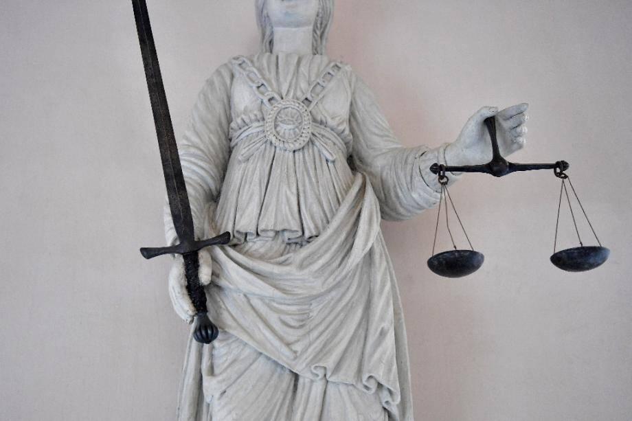 Un père de famille de 40 ans a été condamné à Valence (Drôme) à 16 ans de réclusion criminelle par la Cour d'assises de la Drôme pour viols et agressions sexuelles sur 13 enfants dont ses propres fils entre 2006 et 2017