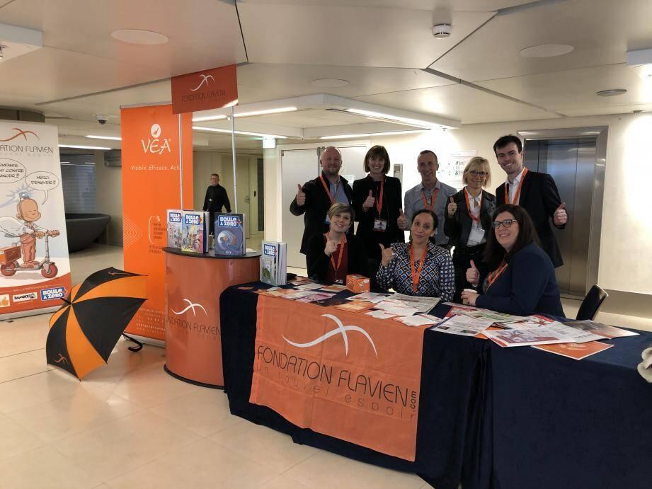 Avec Denis Maccario (debout, à gauche sur la photo), l'équipe dynamique de la Fondation Flavien.