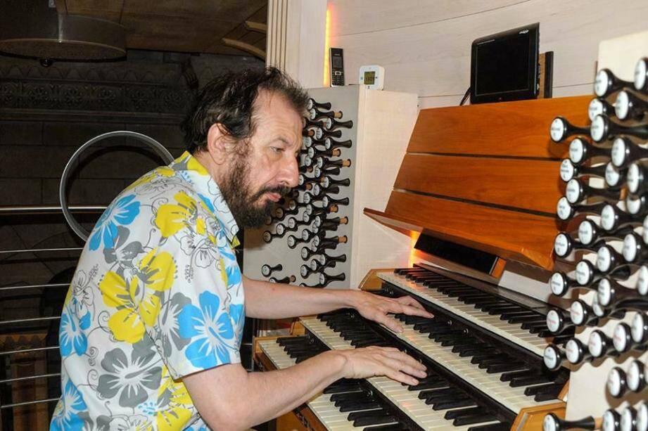 Parmi les nombreux musiciens et chanteurs, Marc Giacone se produira vendredi 7 février.(DR)