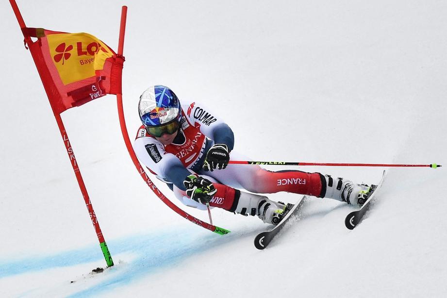 Cette victoire permet à Alexis Pinturault de revenir au classement général de la Coupe du monde à 55 points de son grand rival, actuel leader, le Norvégien Henrik Kristoffersen, 7e hier.