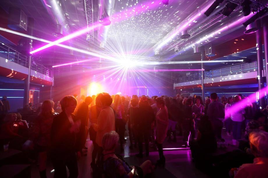 Quand l'Estérel Arena prenait le relais de la Réserve afin de proposer aux jeunes raphaëlo-fréjusiens des soirées discothèques le week-end (illustration).