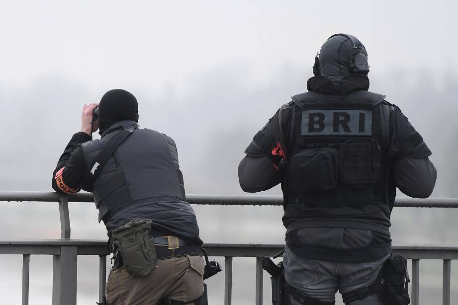 Les malfaiteurs ont été arrêtés par la BRI et la BRB de la police judiciaire de Nice.