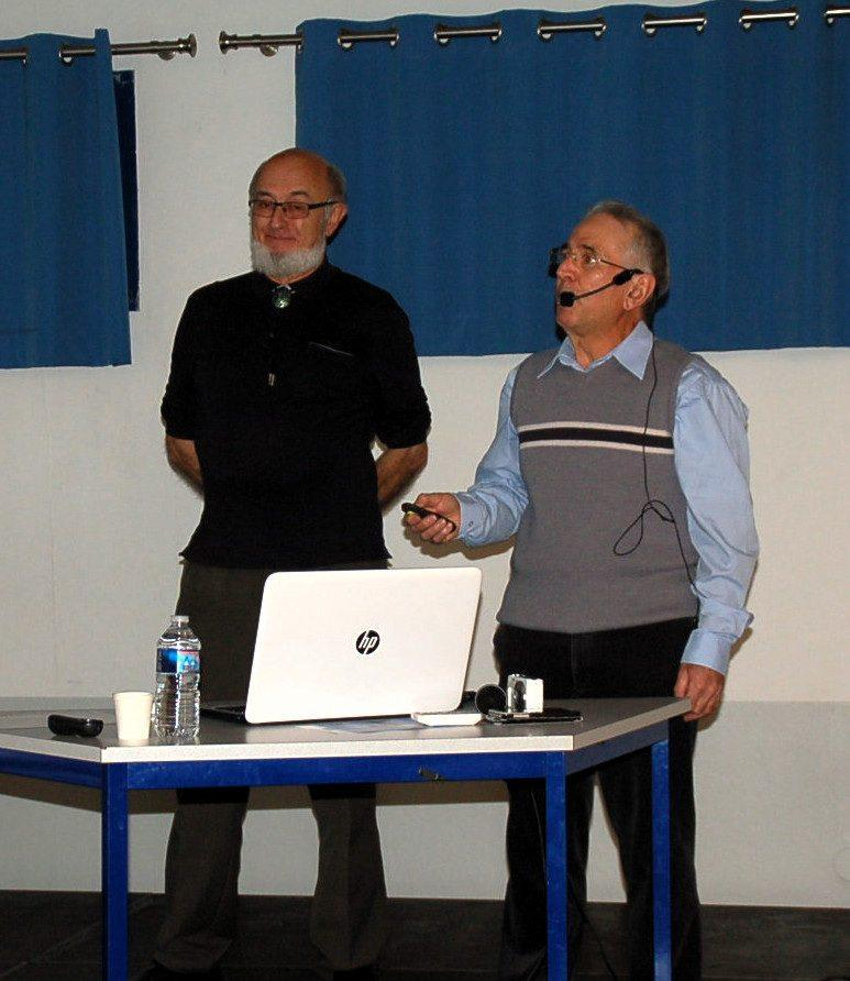 Les intervenants Pierre Laville et Michel Augias.