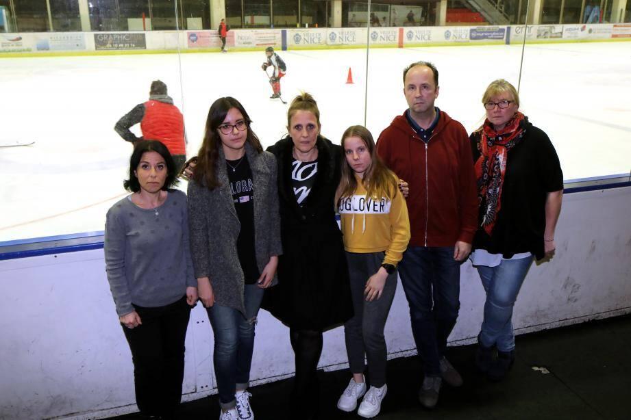 Parents et patineurs ont témoigné pour la première fois à visage découvert, hier soir, à la patinoire Jean-Bouin.