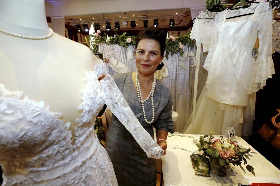Robe de mariée, tenue de cocktail, costume pour les hommes et même lingerie... le défilé est un moment très attendu du Salon du mariage.