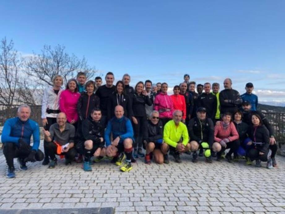 35 coureurs au départ de la reco, hier à Mougins.(DR)