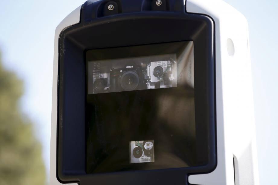 Subtilité ultime : pas de flash sur ces radars. L'automobiliste ne saura donc pas s'il est activé ou non...