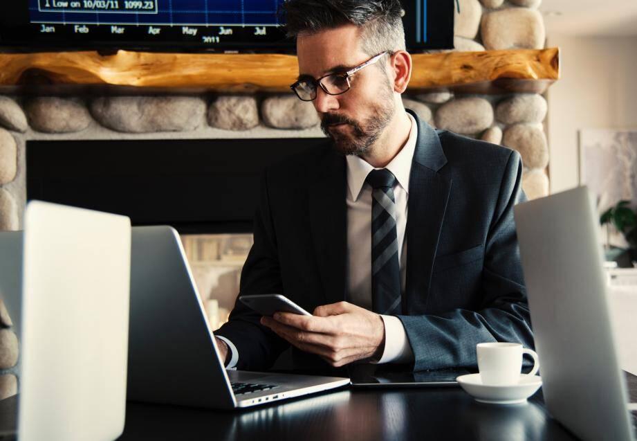 Outre ses connaissances du milieu bancaire et des rouages juridiques, un courtier va négocier les conditions les plus avantageuses auprès des banques et assurances.