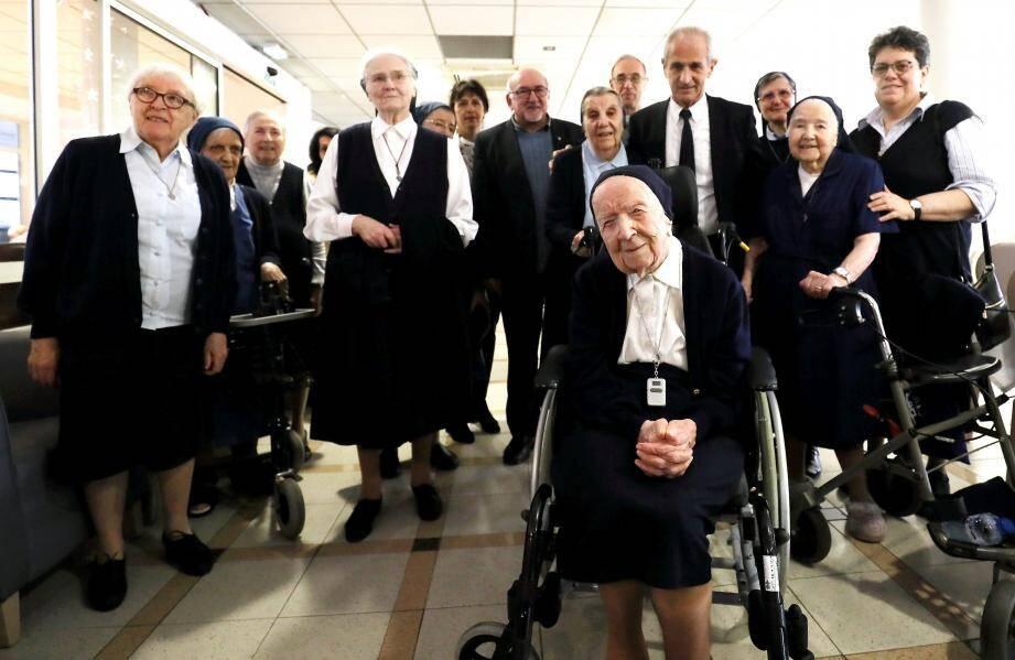 Elle est non seulement la doyenne des Français, mais aussi celle des Européens. Hier, dans sa maison de retraite de Saint-Jean-du-Var, la religieuse a célébré un nouvel anniversaire.