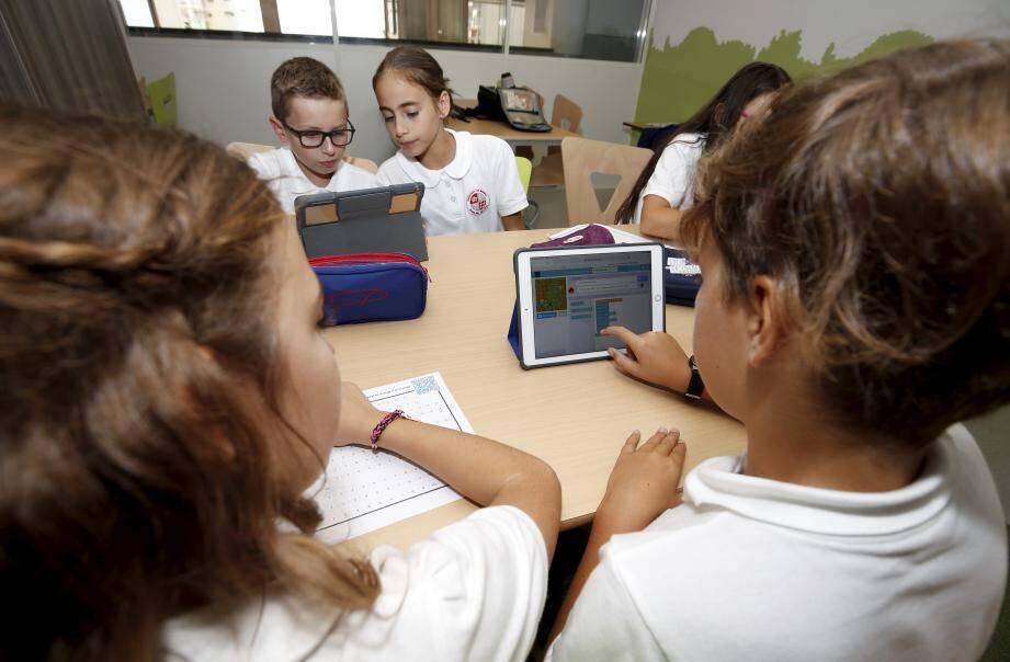 Apprendre la programmation informatique à tous les élèves de Monaco, depuis la rentrée, fait partie d'une des actions phares de la transition numérique dans le pays.