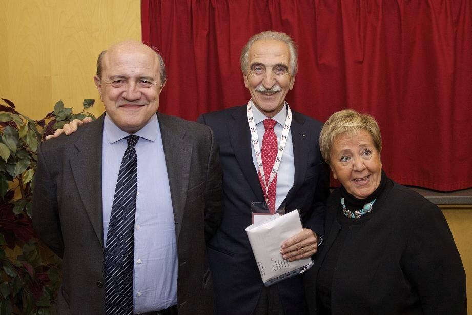 Fabrizio Corallo (à g.) et la famille Gassman. Vittorio Gassman (à d.).