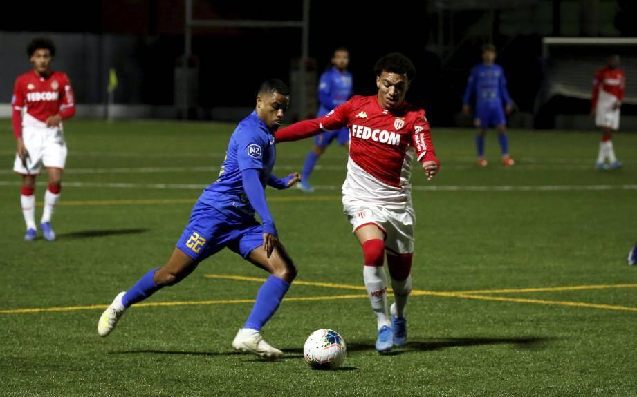 Maes (ci-dessus face à Hyères) a marqué le but égalisateur à 2-2.