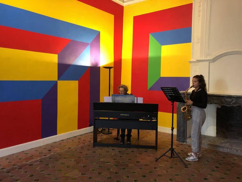 Roxane Abecassis, membre du conservatoire de Vence, a joué Nocturne de Chopin.