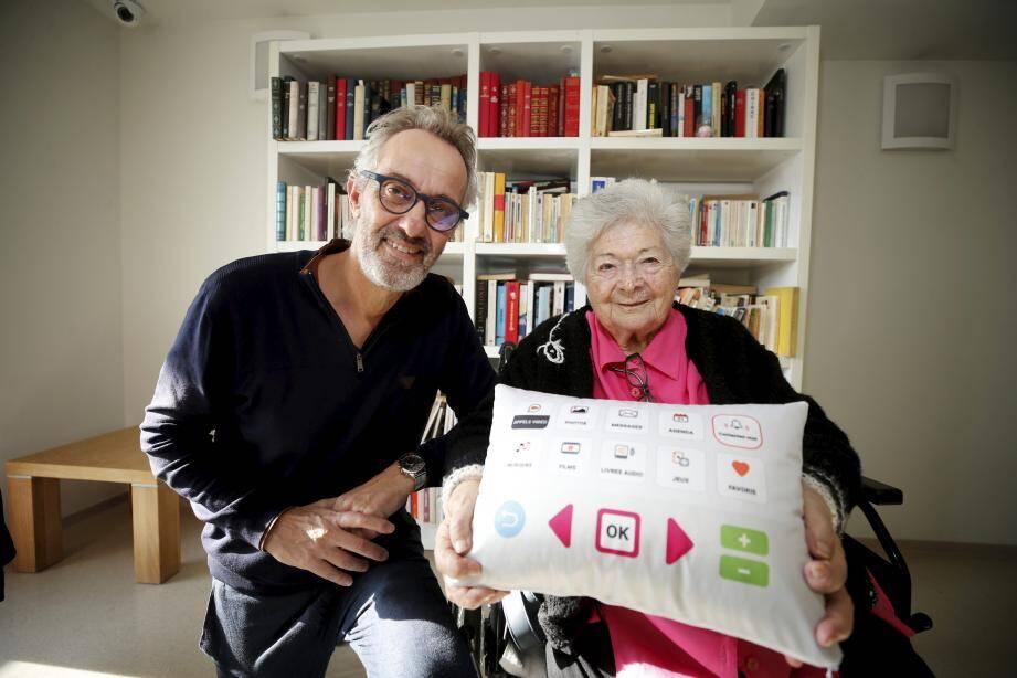 Alain Tixier a revu le design de son « coussin connecté » et a conçu une version pour les enfants hospitalisés.