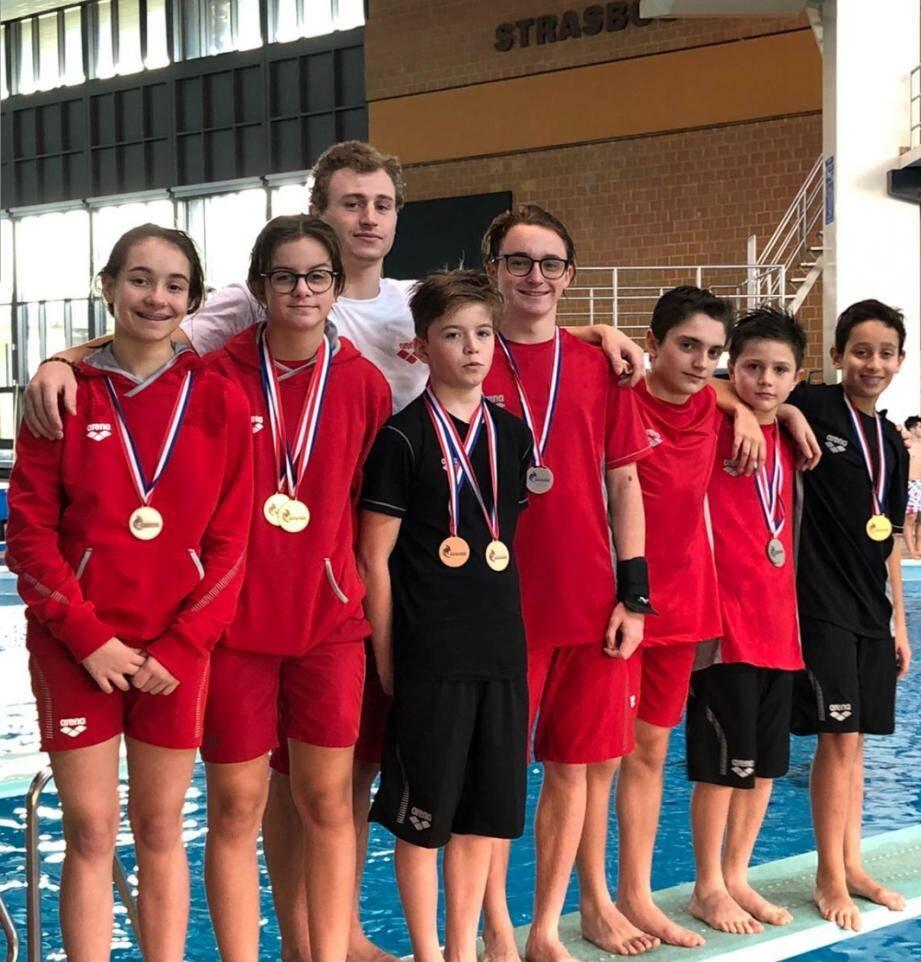 Huit médailles remportées par les jeunes plongeurs « rouge et blanc ».(DR)