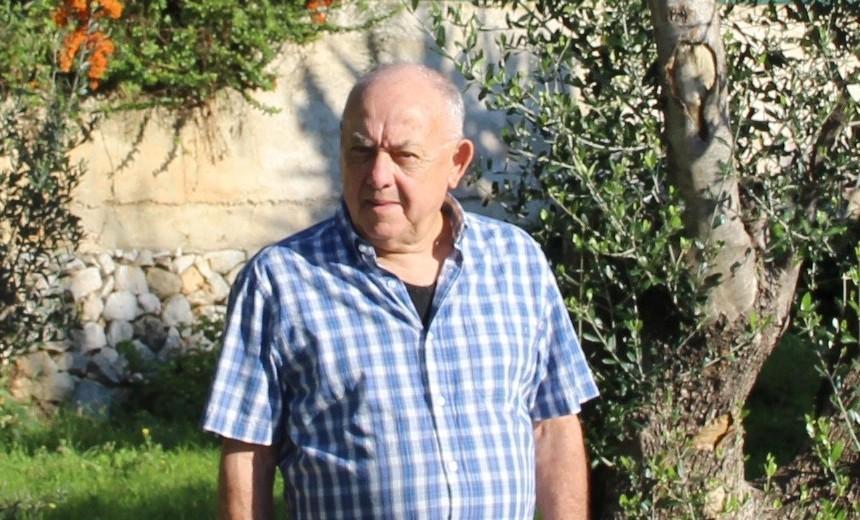 Lucien Bella sest vu retirer ses deux délégations.
