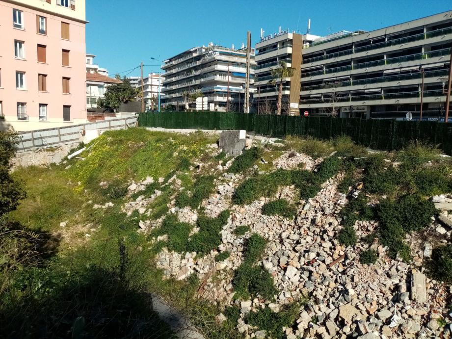 Le site a changé de destination : il accueillera un parking de dissuasion qui sera réalisé par l'agglomération.