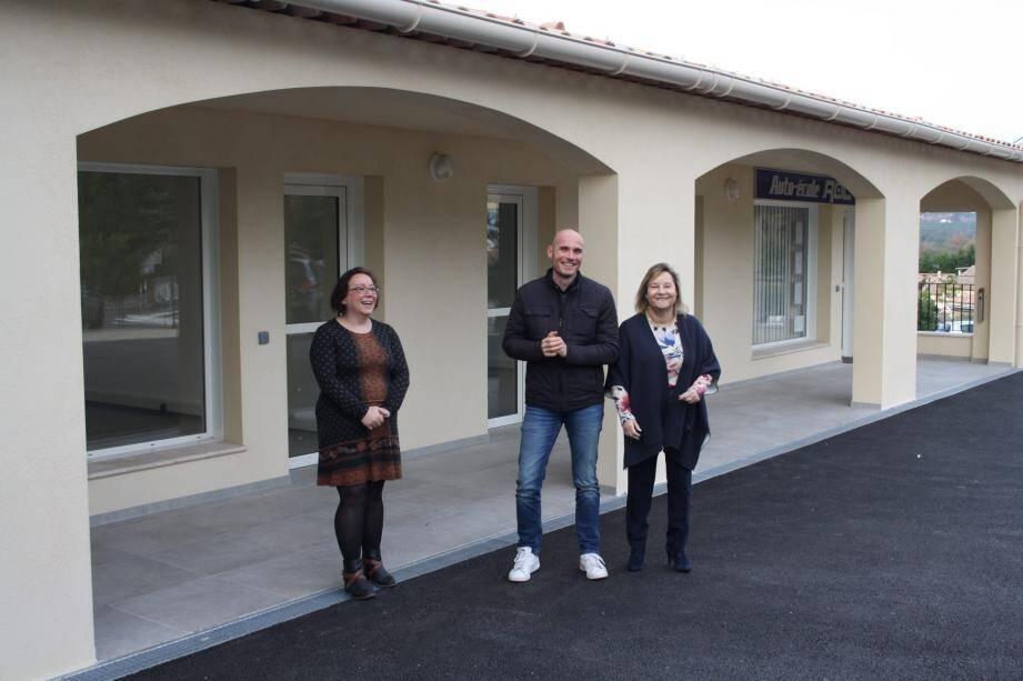 Cécile Auclair, Mickaël Gastaldi et Valérie Gena accueillent les clients dans leurs nouvelles boutiques du quartier du Colombier.