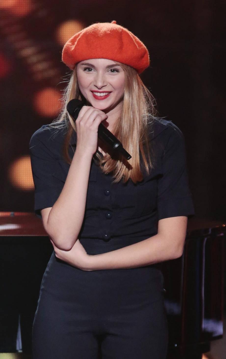 Isilde sera ce soir sur la scène face aux coachs de The Voice. Saura-t-elle les convaincre ? On le lui souhaite.