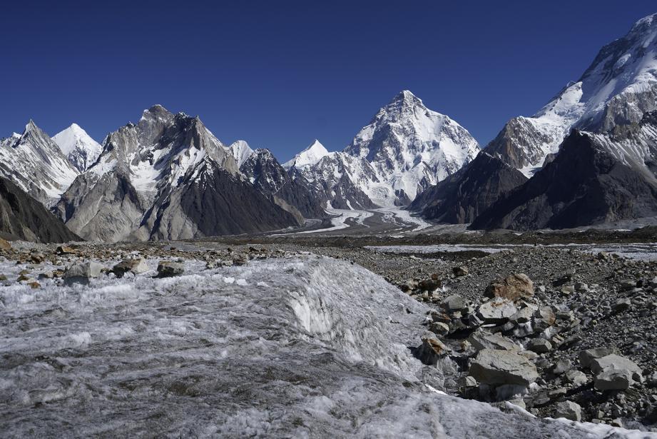 Vue sur le mythique sommet K2 depuis le belvédère Concordia.
