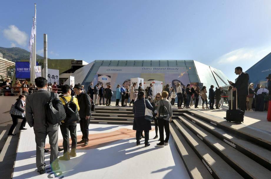 Principal centre de congrès, le Grimaldi Forum n'a annulé ni différé aucune manifestation.
