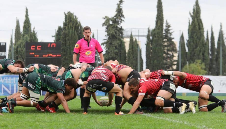 Mêlée entre Niçois et joueurs de Bedarrides.