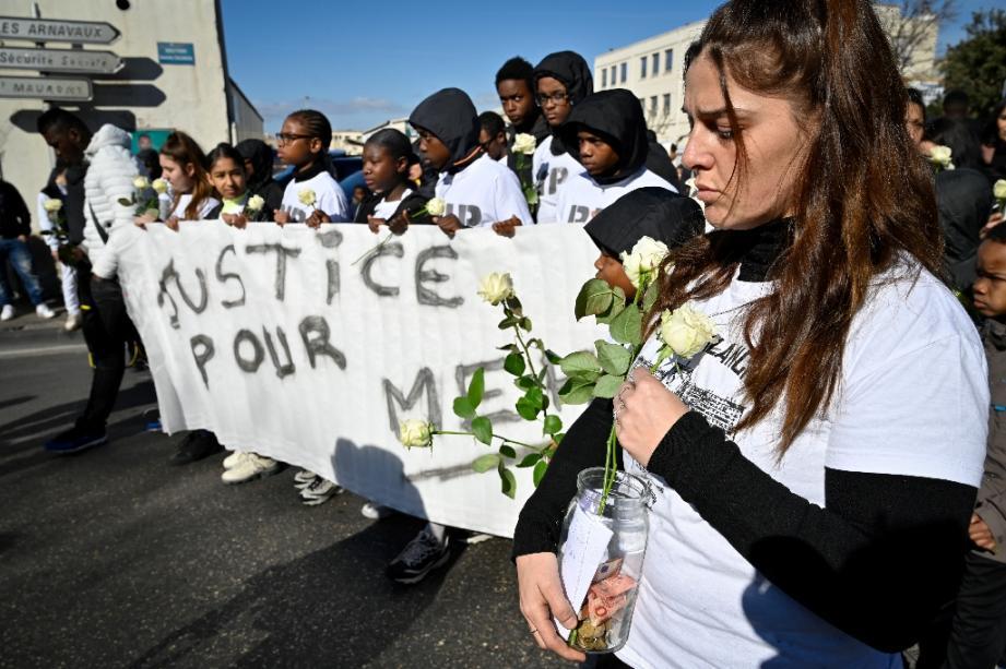 Marche blanche, le 22 février 2020 à Marseille, en hommage à Mehdi, un jeune homme d'une cité populaire tué par un policier après un braquage