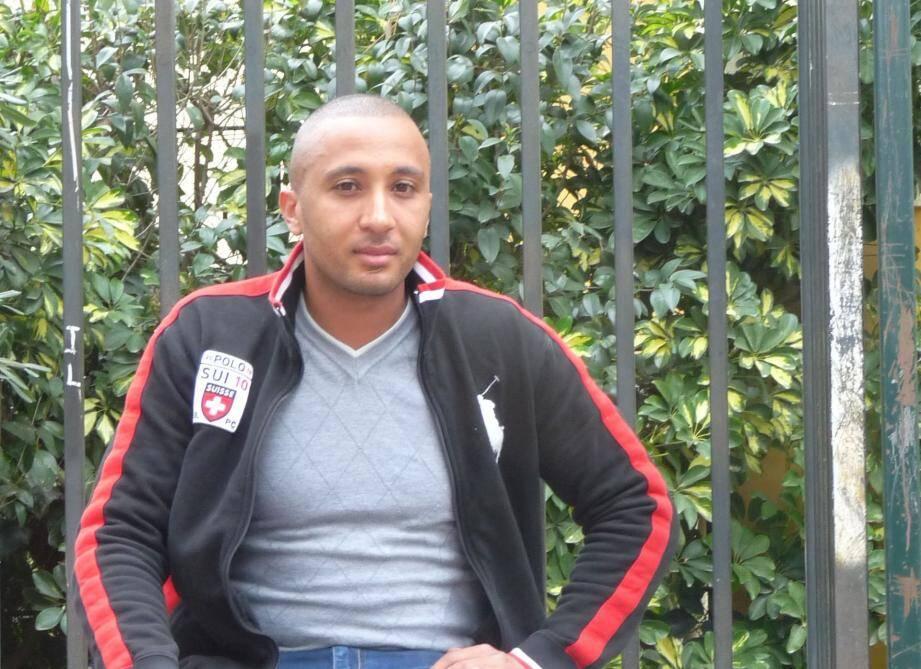 Karim Ben Ahmed, le directeur d'ADAM.(Photo L. B.) NIC17Q321_ZSP_MOULINS_BEN_AHMED.jpg Création Zone de sécurité prioritaire Moulins Papier Yann Delanoe NIC17Q321_ZSP_MOULINS_BEN_AHMED.jpg