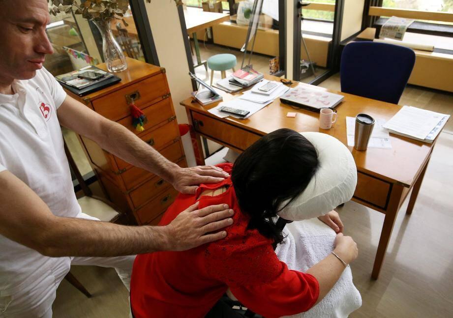 Bertrand Poncet massages a domicile