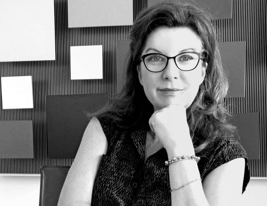 """""""Madame S"""" est le premier roman de Sylvie Lausberg, qui sera à Cannes le 21 février."""
