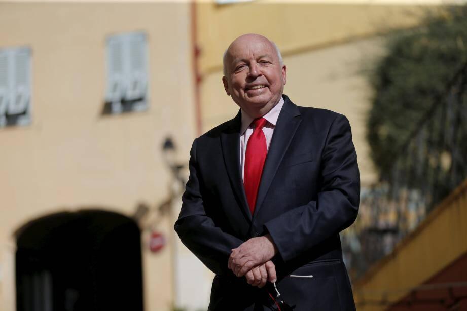 Âgé de 63 ans, Bernard Gastaud affrontera le maire sortant, Daniel Alberti.