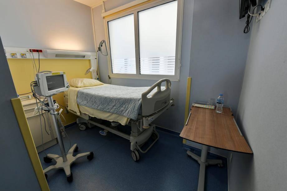 Au CHPG, une chambre est dédiée au confinement.