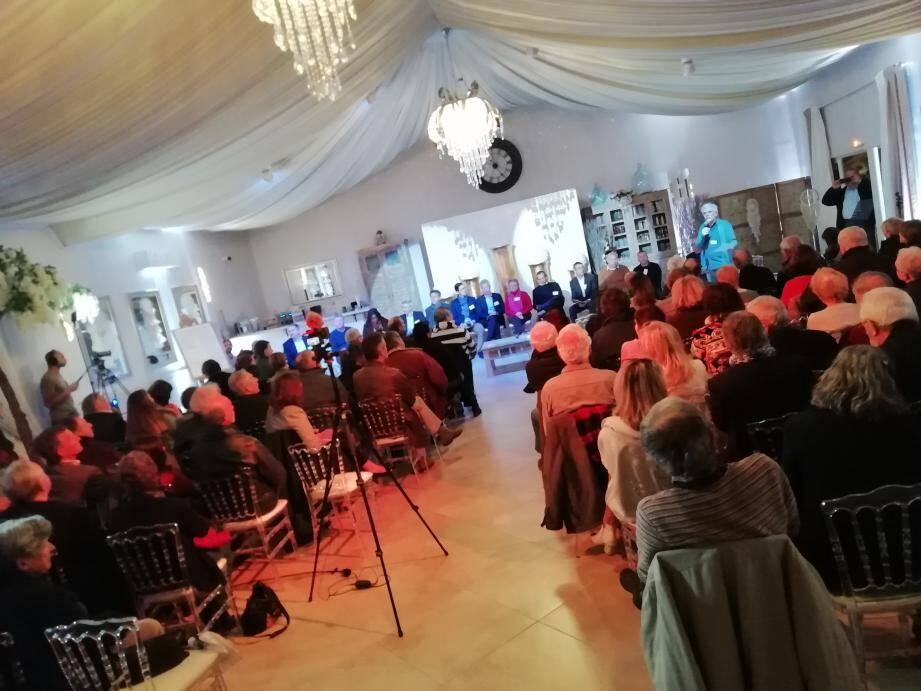A Montauroux, le collectif citoyen Demain en pays de Fayence a organisé un débat avec les candidats maires.