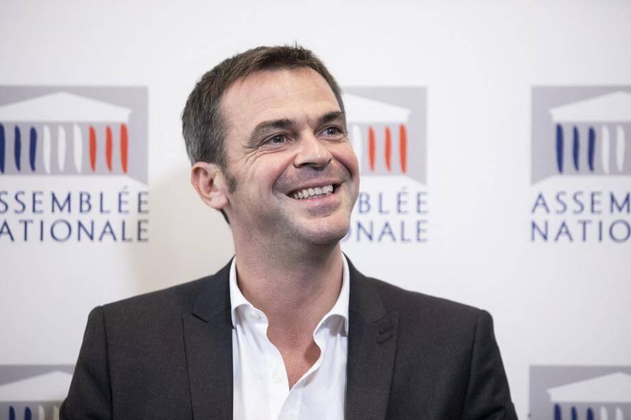 Le député isérois Olivier Véran remplace Agnès Buzyn à la Santé.