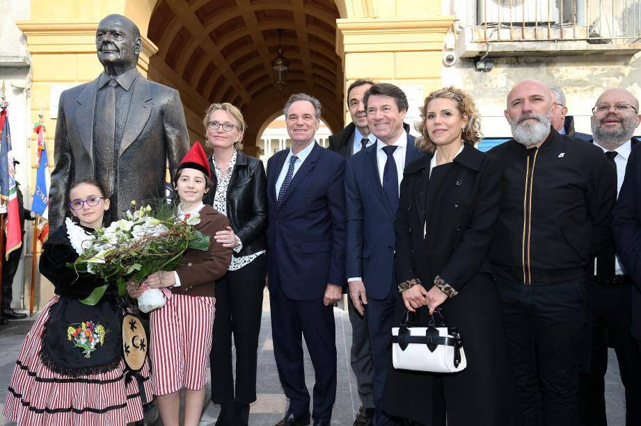Il y a désormais un cours Jacques Chirac à Nice.