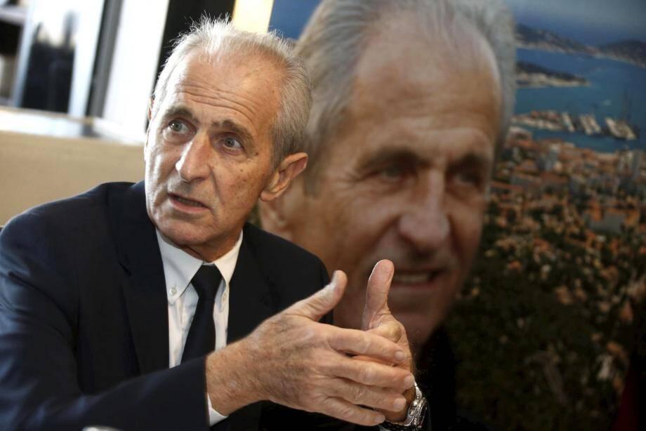 Hubert Falco, maire de Toulon, vient d'être élu à l'unanimité, ce mercredi matin président de l'association des maires du Var.