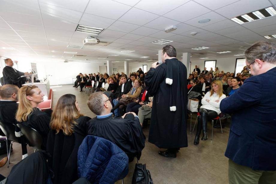 Les avocats du barreau de Toulon - 500 au total - ont voté la reconduction de leur mouvement jusqu'au lundi 10 février.