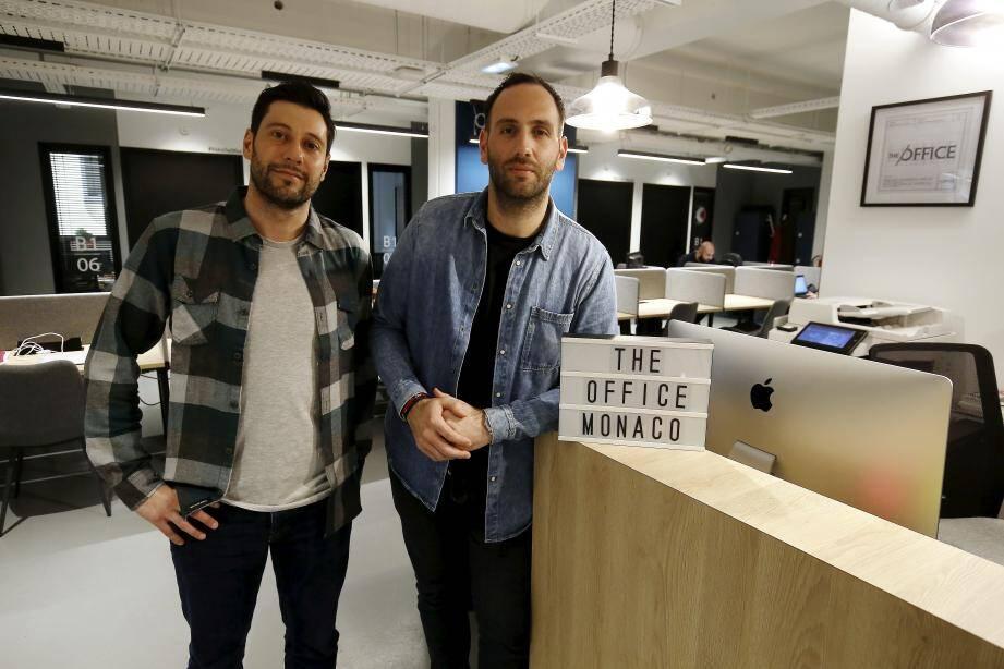 Arnaud Sbarrato et Olivier Blanchy, les créateurs de The office.
