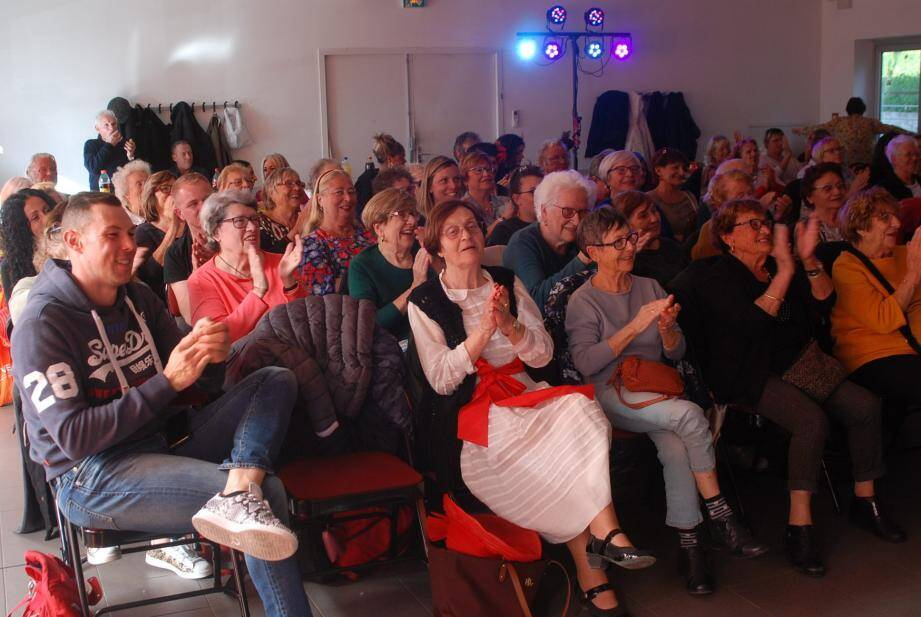Le public emballé par l'ambiance et la qualité du spectacle.