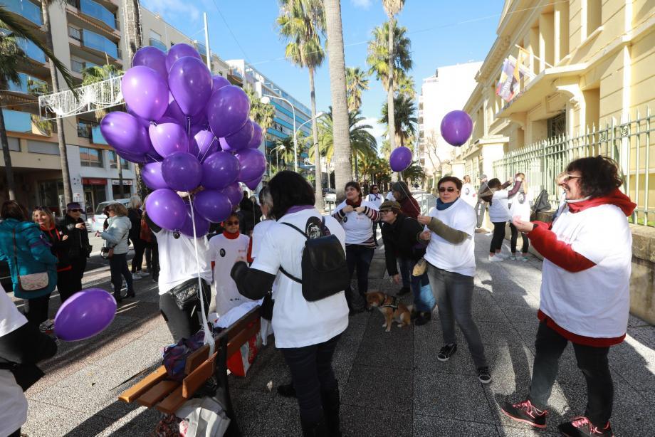Une première marche était organisée à Hyères, le 14 décembre dernier.