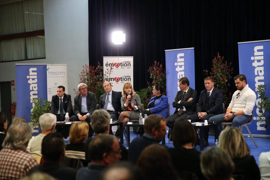 Les huit candidats à la mairie de Vence lors du débat organisé jeudi par Nice-Matin.