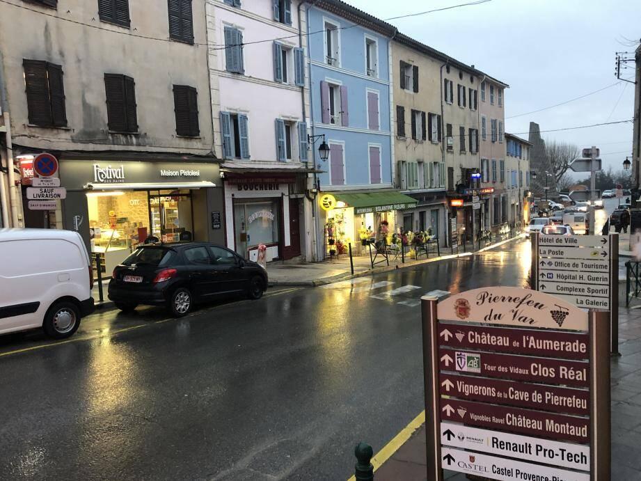La dynamisation du centre du village et ses commerces sera une des priorités d'Alain Pradier. (Ph. C. L.)
