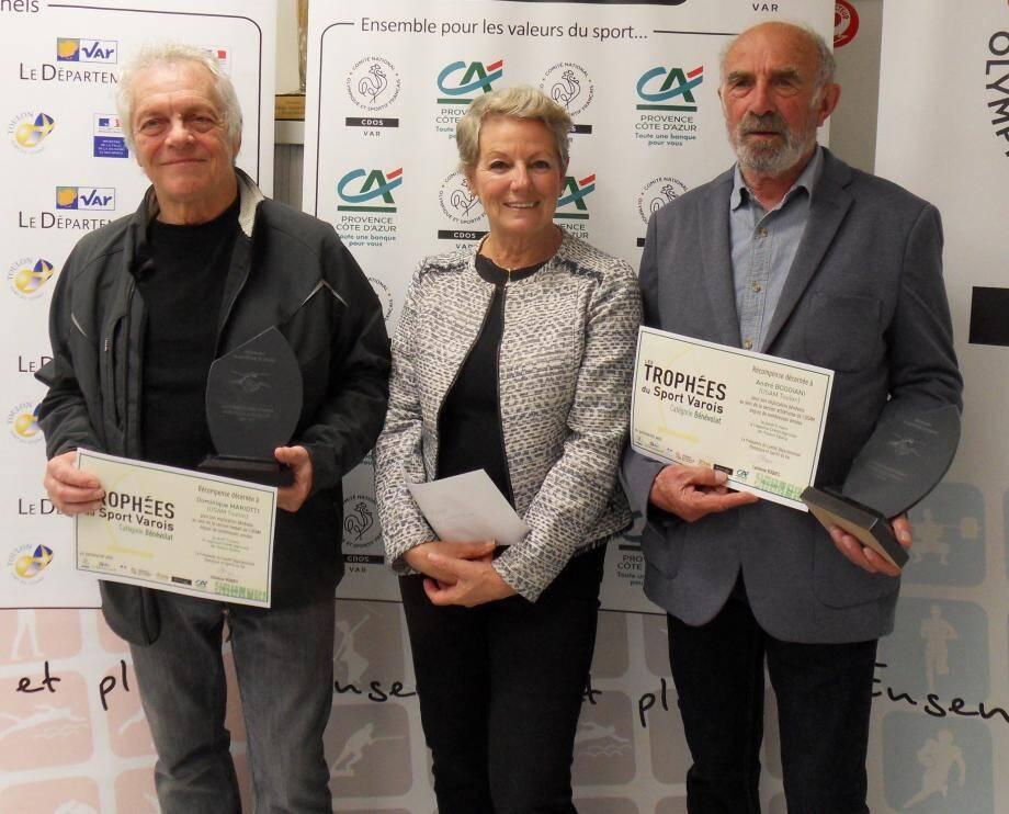 Le trophée du sport varois a été décerné au footballeur Dominique Mariotti et au fondeur André Boggiani, tous deux bénévoles au sein de l'Usam, ici représentée par sa présidente Christine Moncourtois.