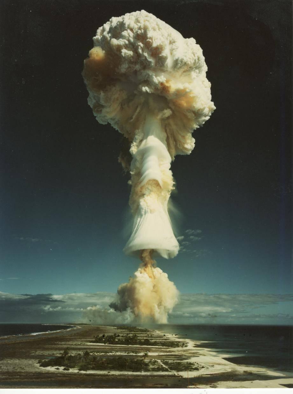 De 1966 à 1996, les essais nucléaires ont eu lieu sur les atolls de Mururoa et Fangataufa en Polynésie française.
