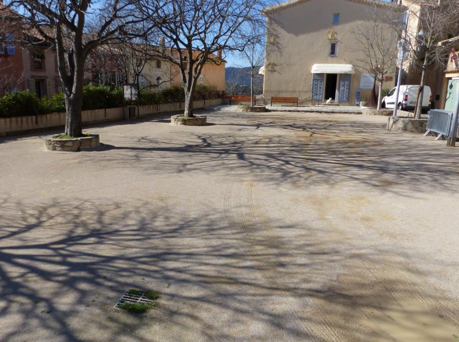 La place vieille a été préparée pour accueillir 2 jours de  compétitions animées.